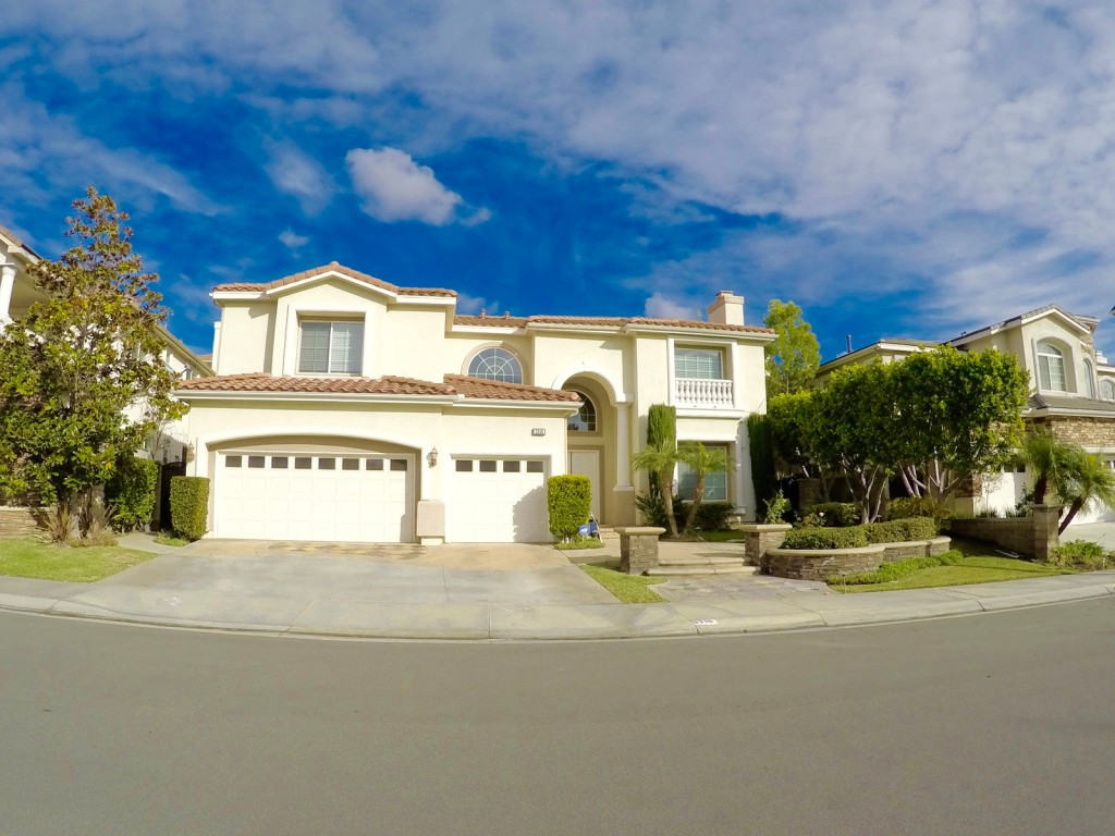 3 bedrooms available for rent near Fullerton