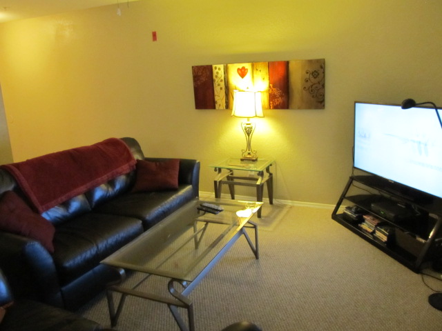 Fully-Furnished Room Less than a Mile from UCF (Female) 4/4