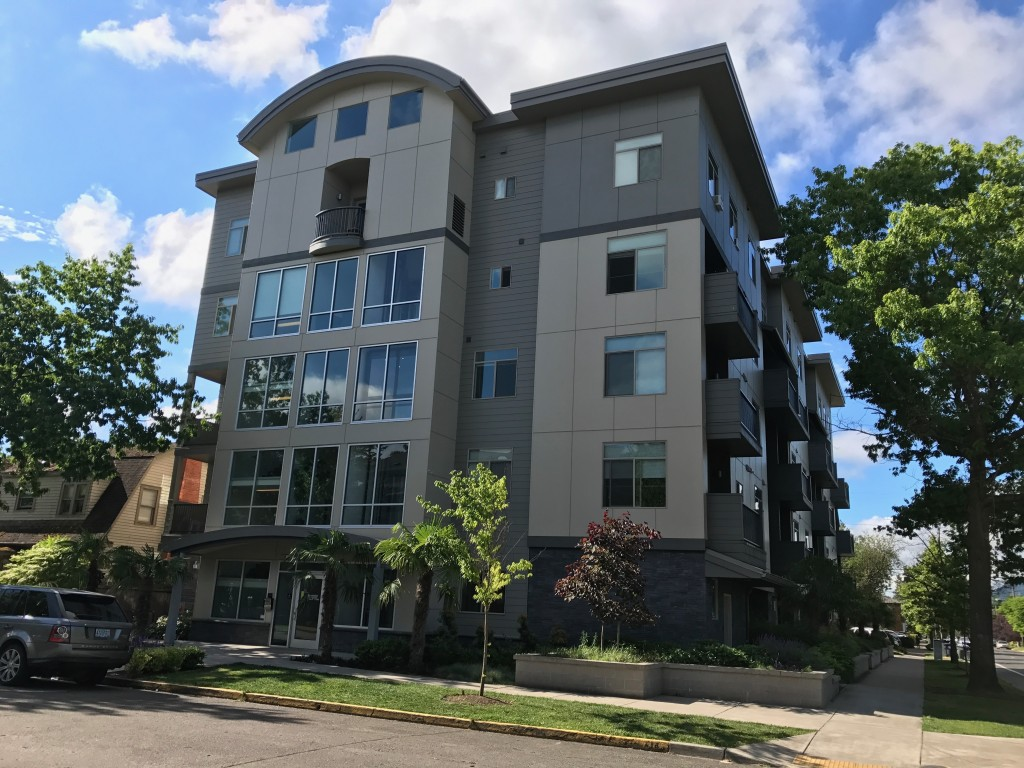 University of Oregon Summer Sublet in the Newer Campus Lofts