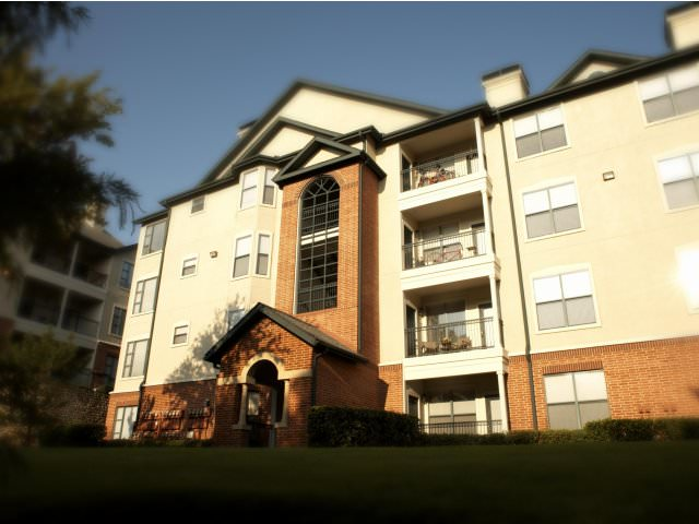 Amazing 2 bed/2 bath apt. in the beautiful, safe community, The Village