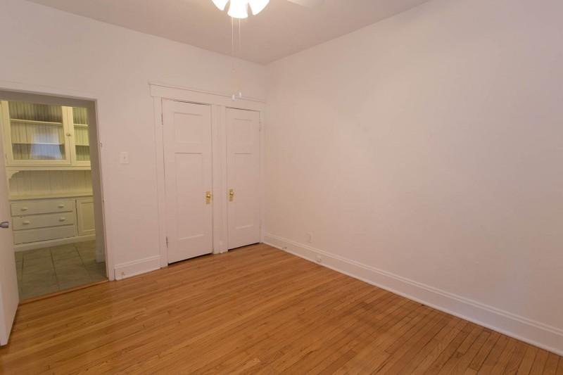5218-5220 S. Kimbark Avenue apartments in Chicago, Illinois