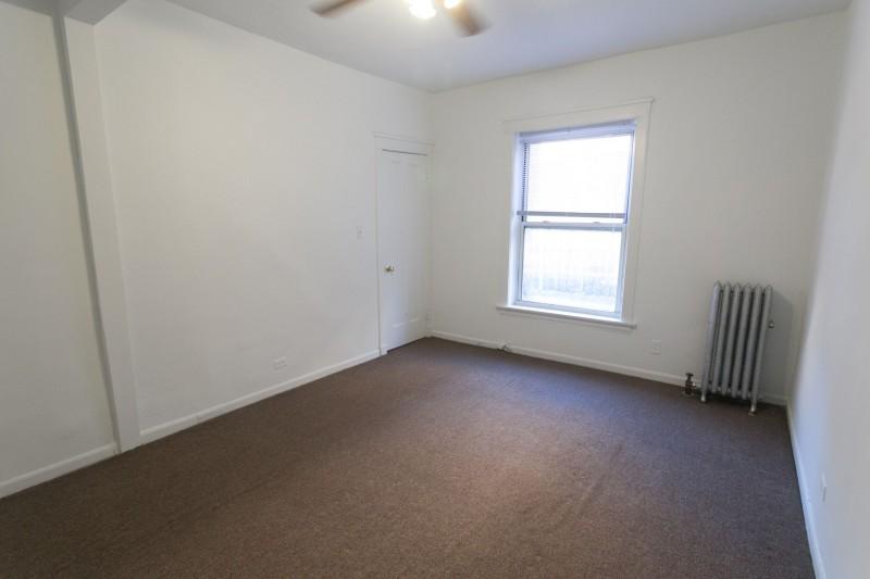 5715-5725 S. Kimbark Avenue apartments in Chicago, Illinois