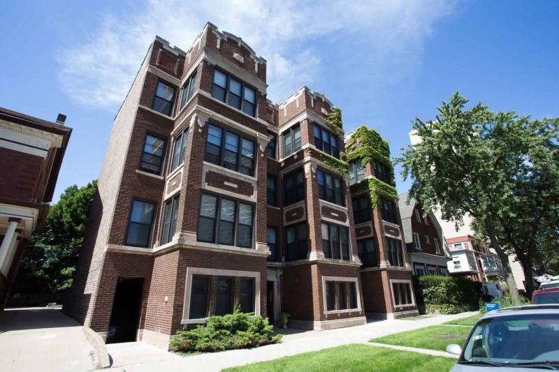 5128-5132 S. Cornell Avenue apartments in Chicago, Illinois