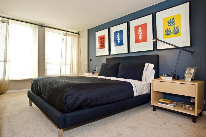 Regents Park apartments in Chicago, Illinois