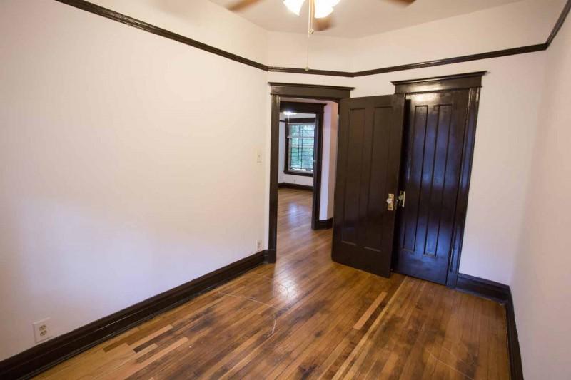 4859 S. Champlain Avenue apartments in Chicago, Illinois