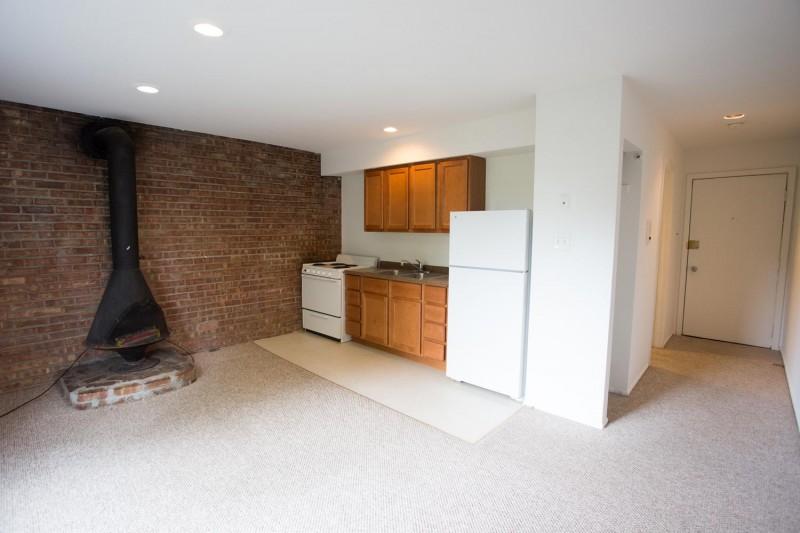 Cornell Terrace apartments in Chicago, Illinois