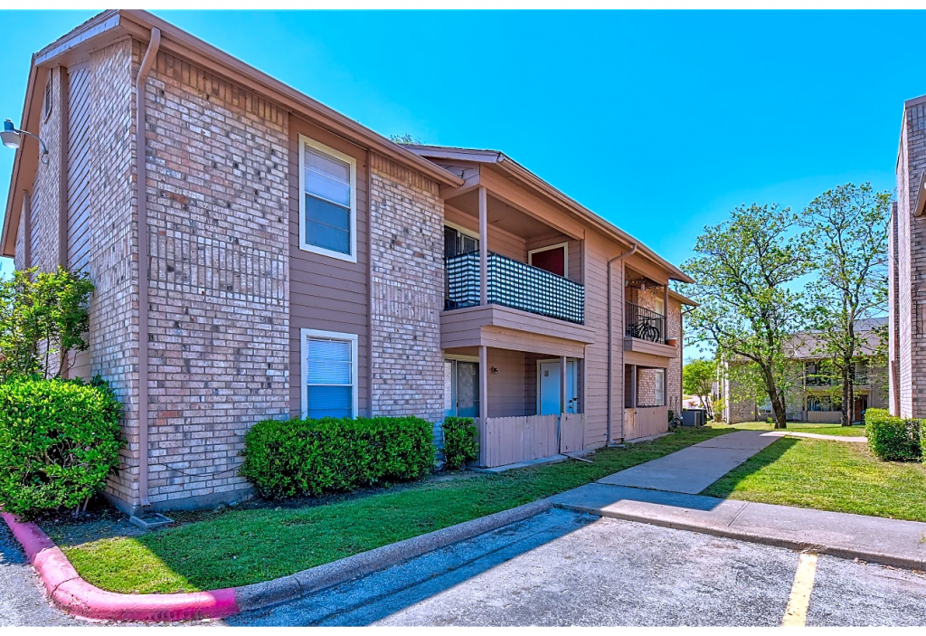 Relaxing Condo in Aggieland | $250.00 off the first month's rent for