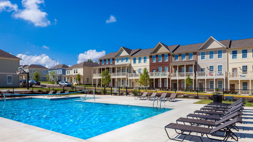 Sublette Highland Square Apartment (you choose unit) for 6-month  lease (Feb-July 2019) w-great financial incentives
