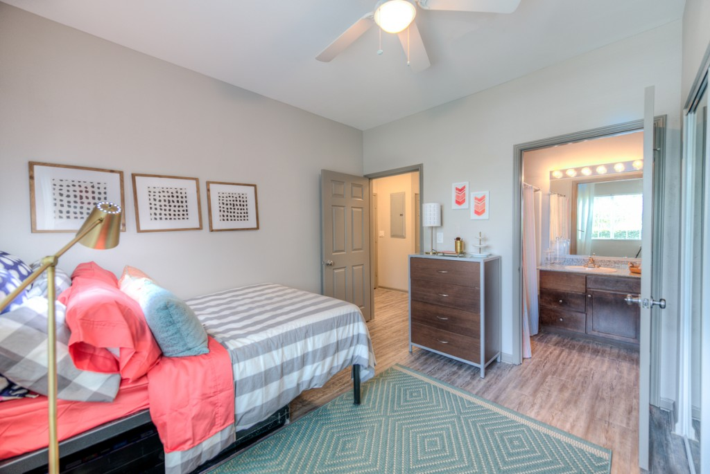 Sublease For Female Roomate at The Reserve Apartments near UTSA