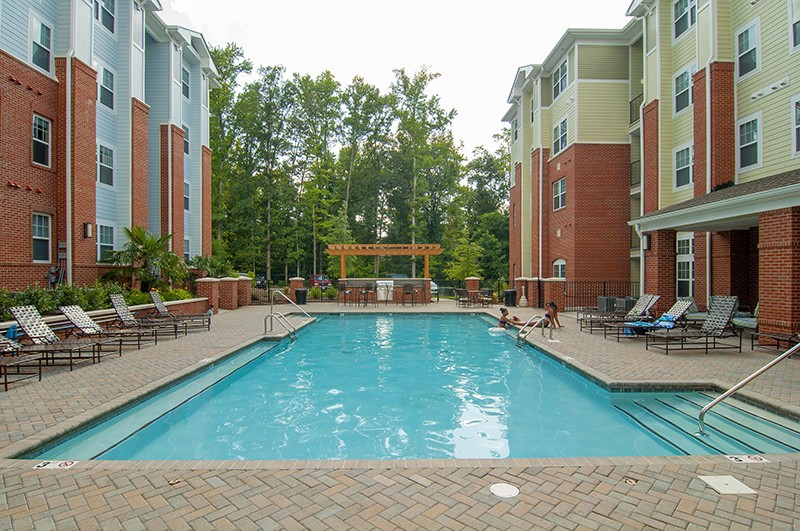 THE BEST OFF-CAMPUS APARTMENTS NEAR UNCC