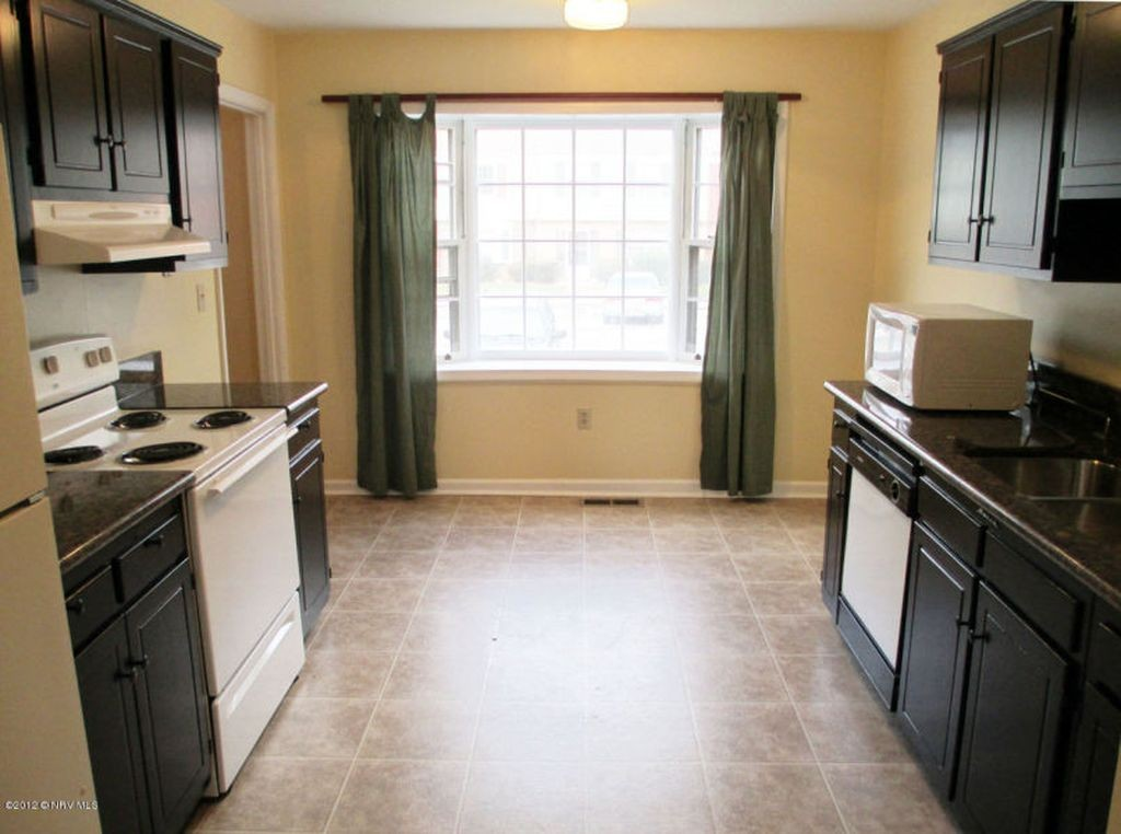 Sublet for Spring 2018. Lease ends July 31, 2018. Can continue to lease directly from owner after that.